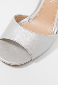 Head over Heels by Dune - MARIAAH - Sandali con tacco - silver - 2
