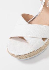 Head over Heels by Dune - KATYAA - Sandály na vysokém podpatku - white - 2