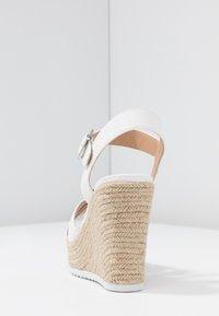 Head over Heels by Dune - KATYAA - Sandály na vysokém podpatku - white - 5