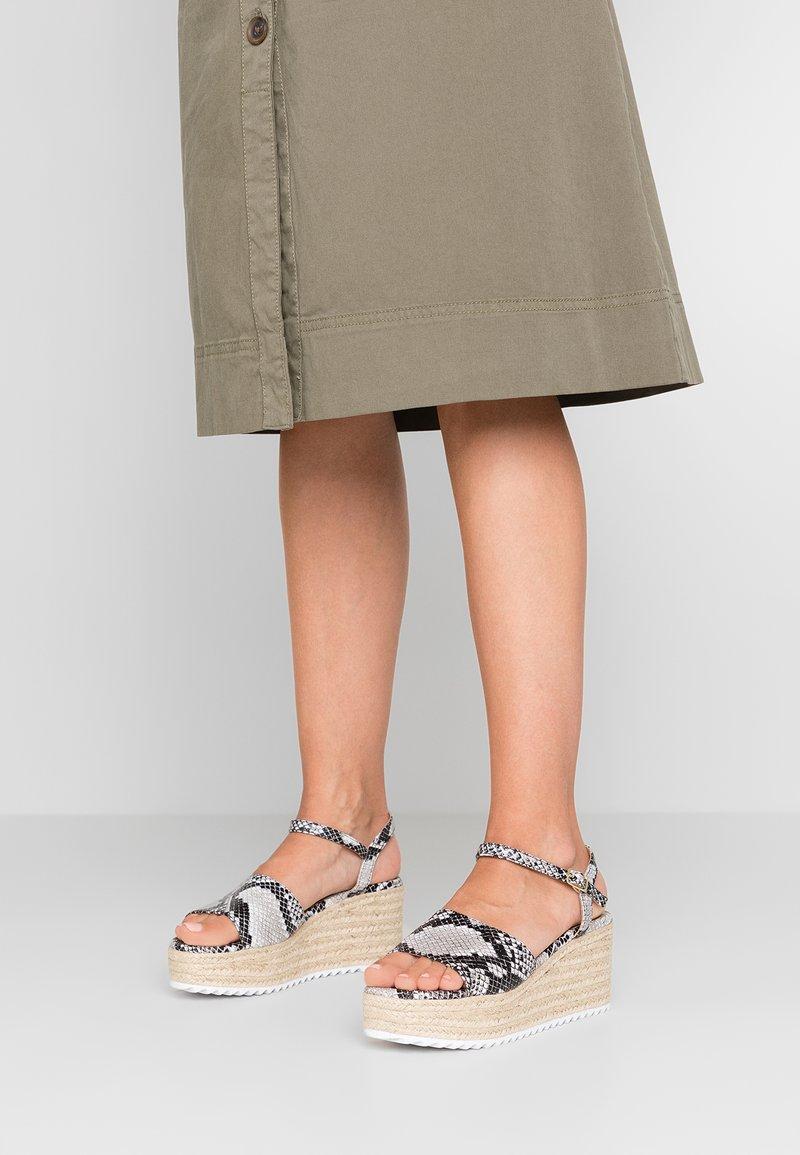 Head over Heels by Dune - KENDON - Platform sandals - natural