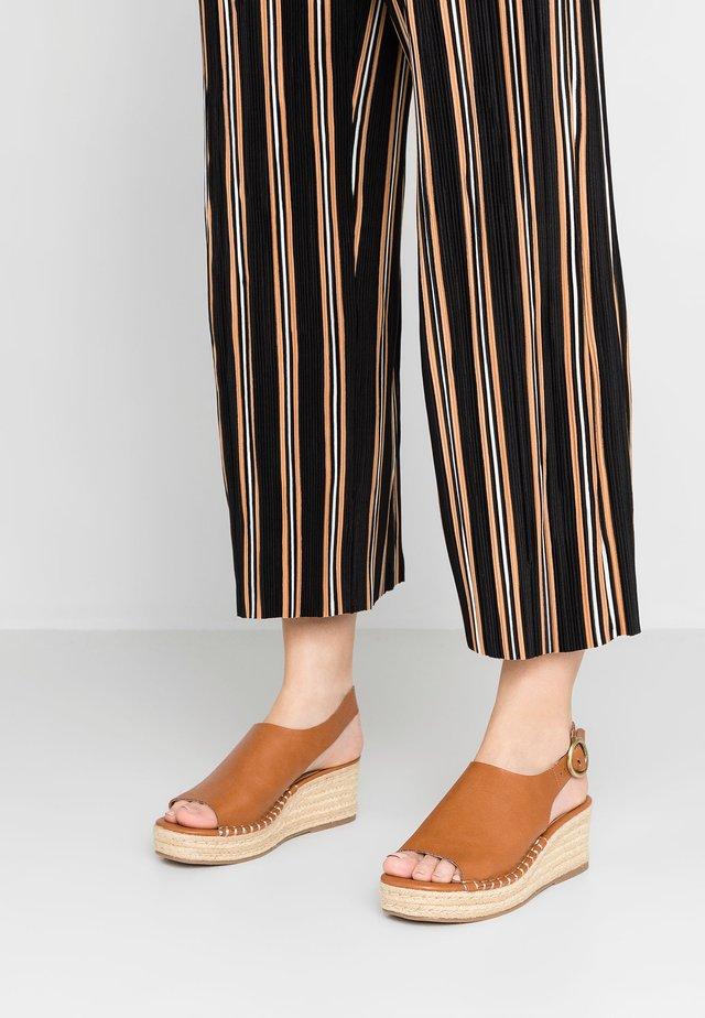 KLO - Platform sandals - tan
