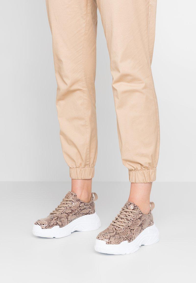 Head over Heels by Dune - EMETT - Sneaker low - natural