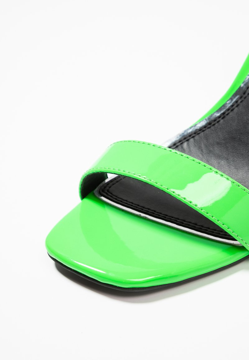 À Hauts Heels By Talons Over Green MolSandales Head Dune trxCshQd