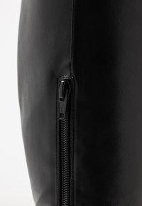 Head over Heels by Dune - SHYANA - Botas de tacón - black - 2