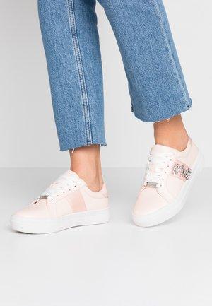 EDIITH - Sneakersy niskie - pink