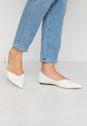 HAILIIE - Ballet pumps - white