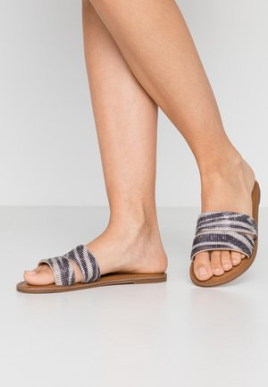 NAILA - Pantofle - silver