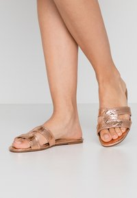 Head over Heels by Dune - LUCIEN - Pantofle - rose gold - 0