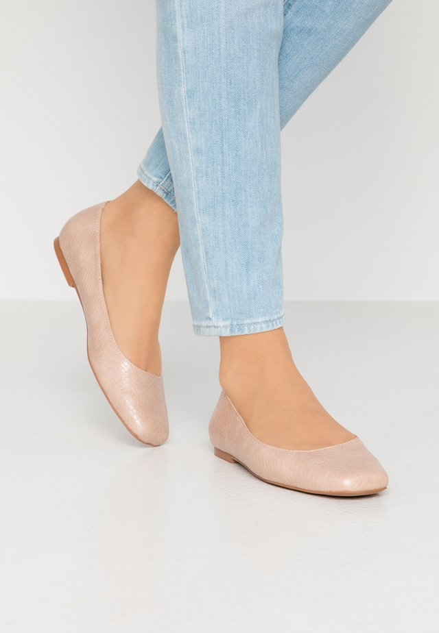 HOLLIIE - Ballet pumps - nude