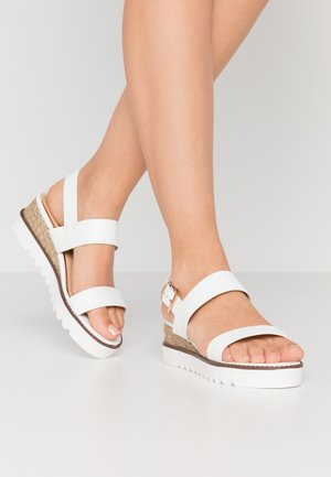 KYE - Sandály na platformě - white