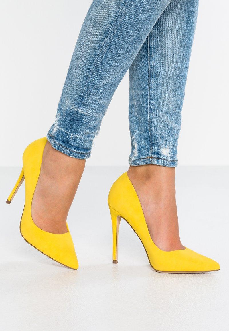 Head over Heels by Dune - AIMEES - Zapatos altos - yellow plain