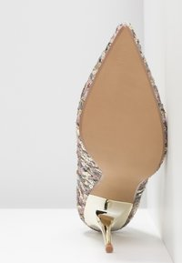 Head over Heels by Dune - ADRIENE - Decolleté - gold - 6