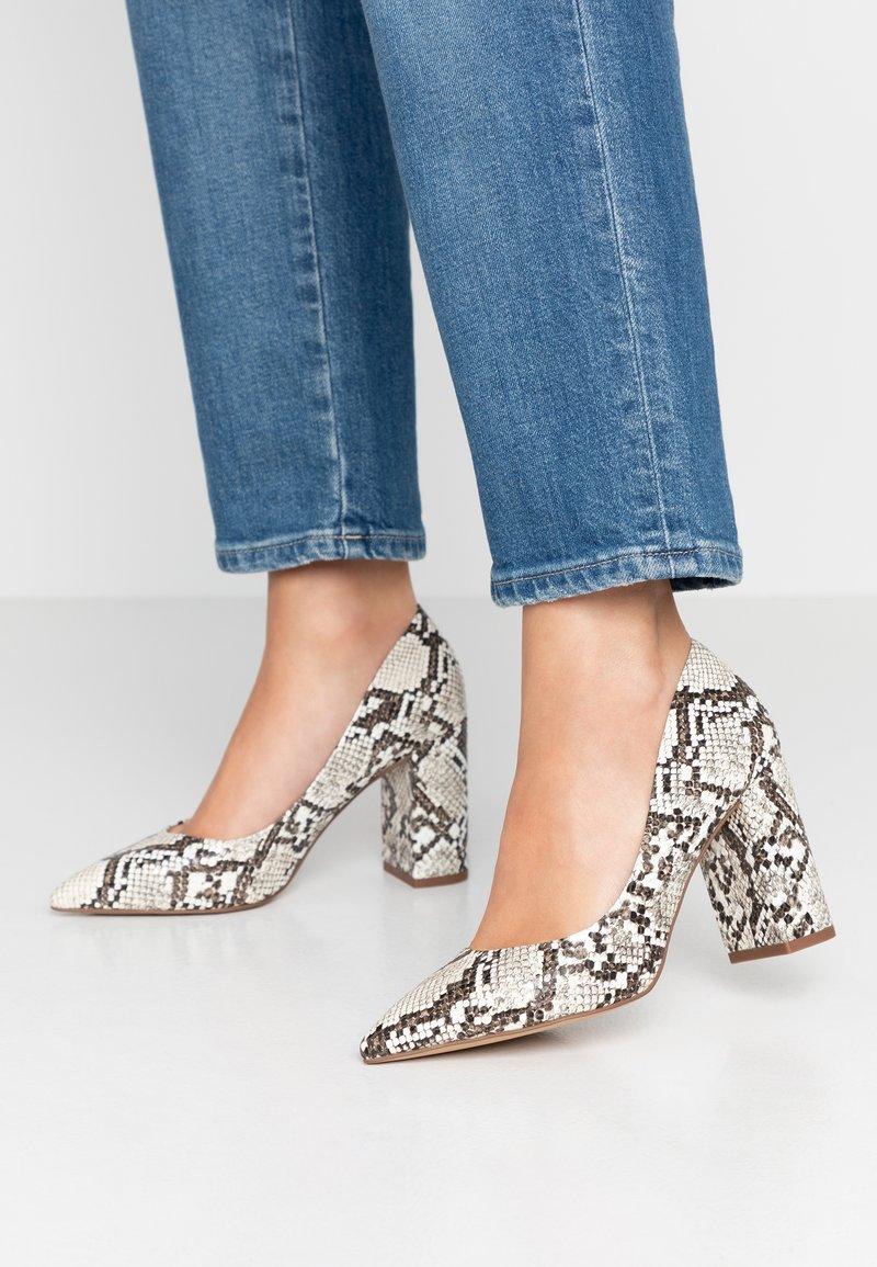 Head over Heels by Dune - Zapatos altos - natural