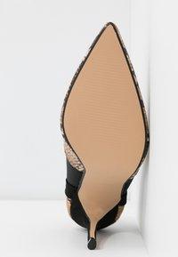 Head over Heels by Dune - ANANDA - Escarpins à talons hauts - black/white - 6