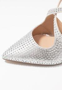 Head over Heels by Dune - CAROLIINA - Klassiske pumps - silver - 2