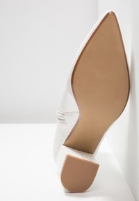 Head over Heels by Dune - OLLA - Bottines - white - 6