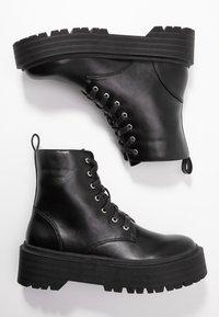 Head over Heels by Dune - PINKY - Bottines à plateau - black - 3
