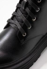 Head over Heels by Dune - PINKY - Bottines à plateau - black - 2