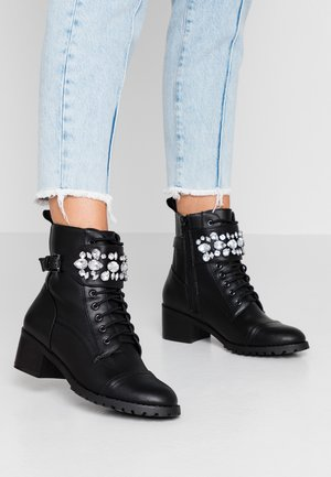 PERLO - Bottines à lacets - black