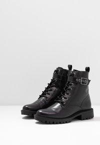Head over Heels by Dune - PRIYANKAA - Stivaletti texani / biker - black - 4