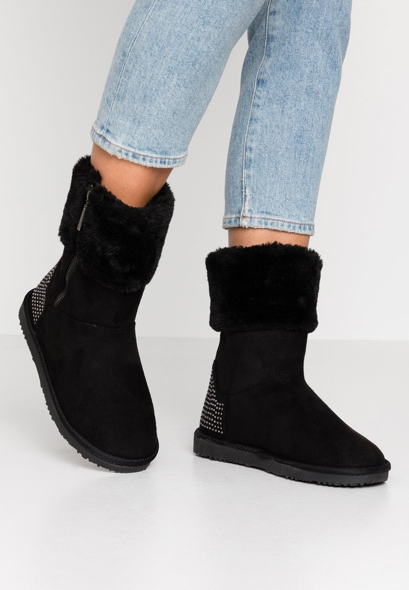 Head over Heels by Dune - ROMANA - Korte laarzen - black