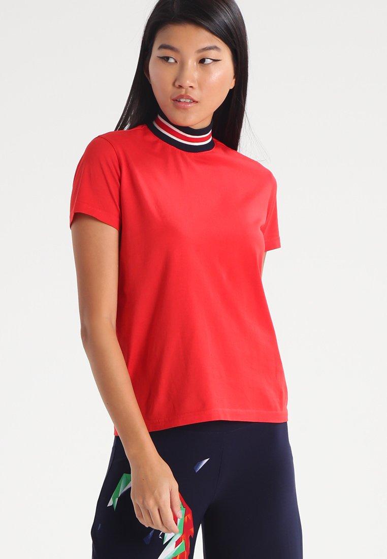 Harmony - TIPHAINE - Jednoduché triko - red