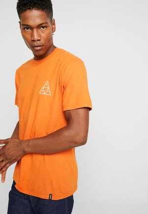 TRIPLE TRIANGLE TEE - Printtipaita - rust