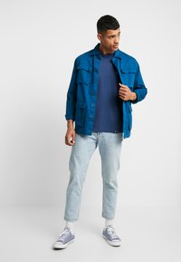 HUF - ESSENTIALS TEE - Long sleeved top - insignia blue - 1
