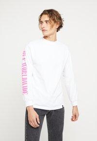 HUF - JUNGLE TEE - Long sleeved top - white - 2
