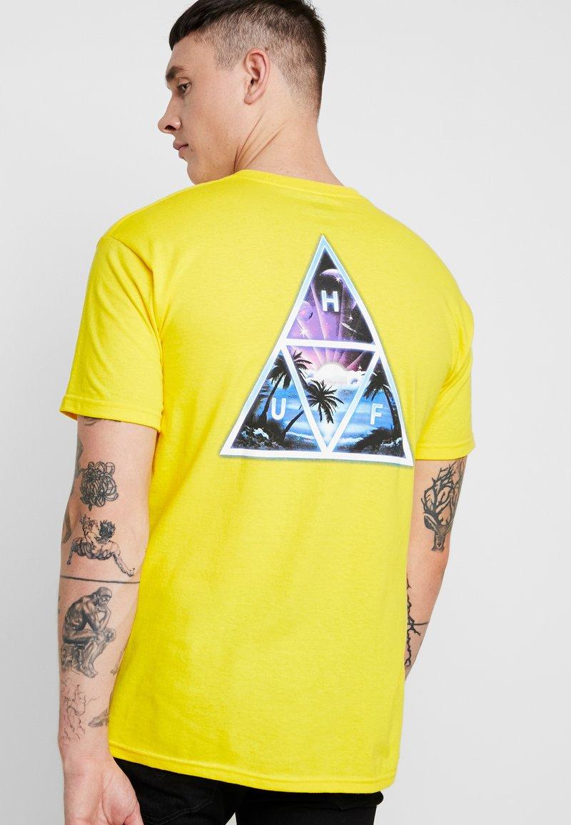 HUF - SPACE BEACH TEE - T-Shirt print - yellow