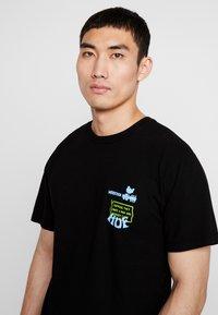 HUF - WOODSTOCK NOBODY CAME TEE - Print T-shirt - black - 3