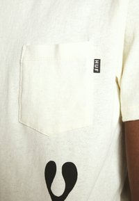 HUF - PHIL FROST POCKET TEE - T-Shirt print - natural - 5