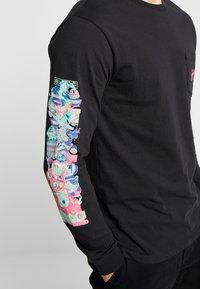 HUF - SHORT POCKET TEE - Camiseta de manga larga - black - 4