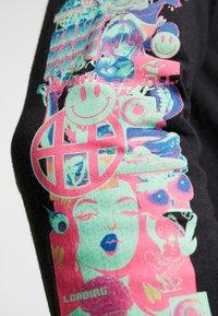 HUF - SHORT POCKET TEE - Camiseta de manga larga - black - 6