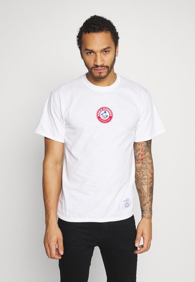 ARM HAMMER CLASSIC TEE - T-shirt med print - white
