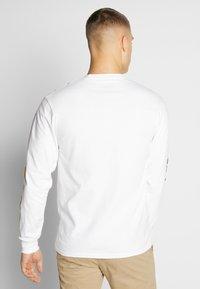 HUF - PULP FICTION COLLAGE  - Långärmad tröja - white - 2