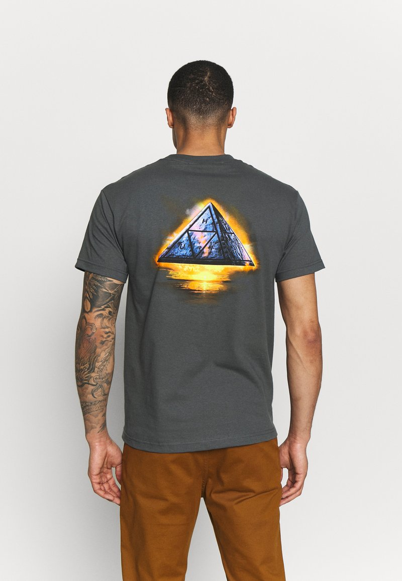 HUF - ANCIENT ALIENS TEE - Triko s potiskem - castle rock