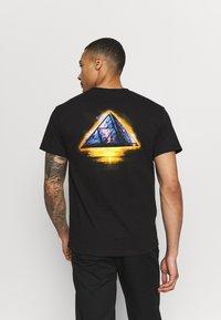 HUF - ANCIENT ALIENS TEE - T-Shirt print - black - 2