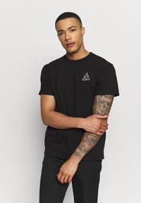 HUF - ANCIENT ALIENS TEE - T-Shirt print - black - 0