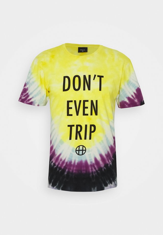 DON'T EVEN TRIP TEE - T-shirt med print - yellow