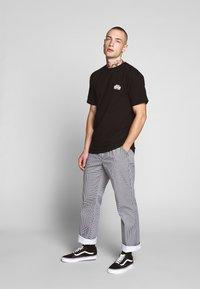 HUF - PRODUCT TEE - T-shirt med print - black - 1