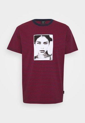 MOLLY STRIPED  - Print T-shirt - true red