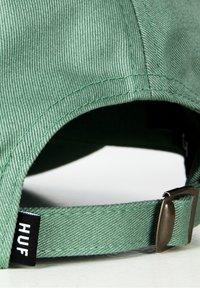 HUF - ESSENTIALS - Cap - beryl green - 4