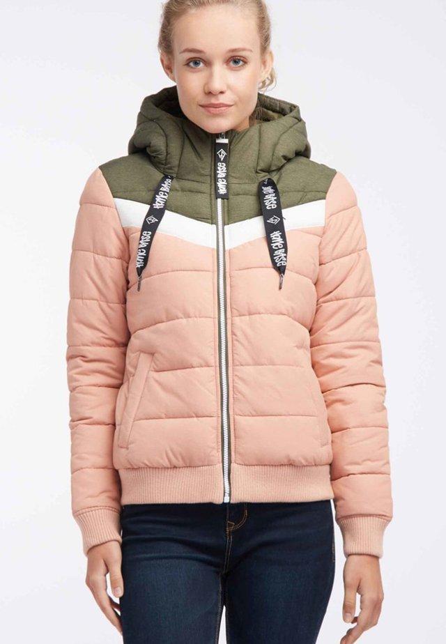 Talvitakki - olive/salmon/pink