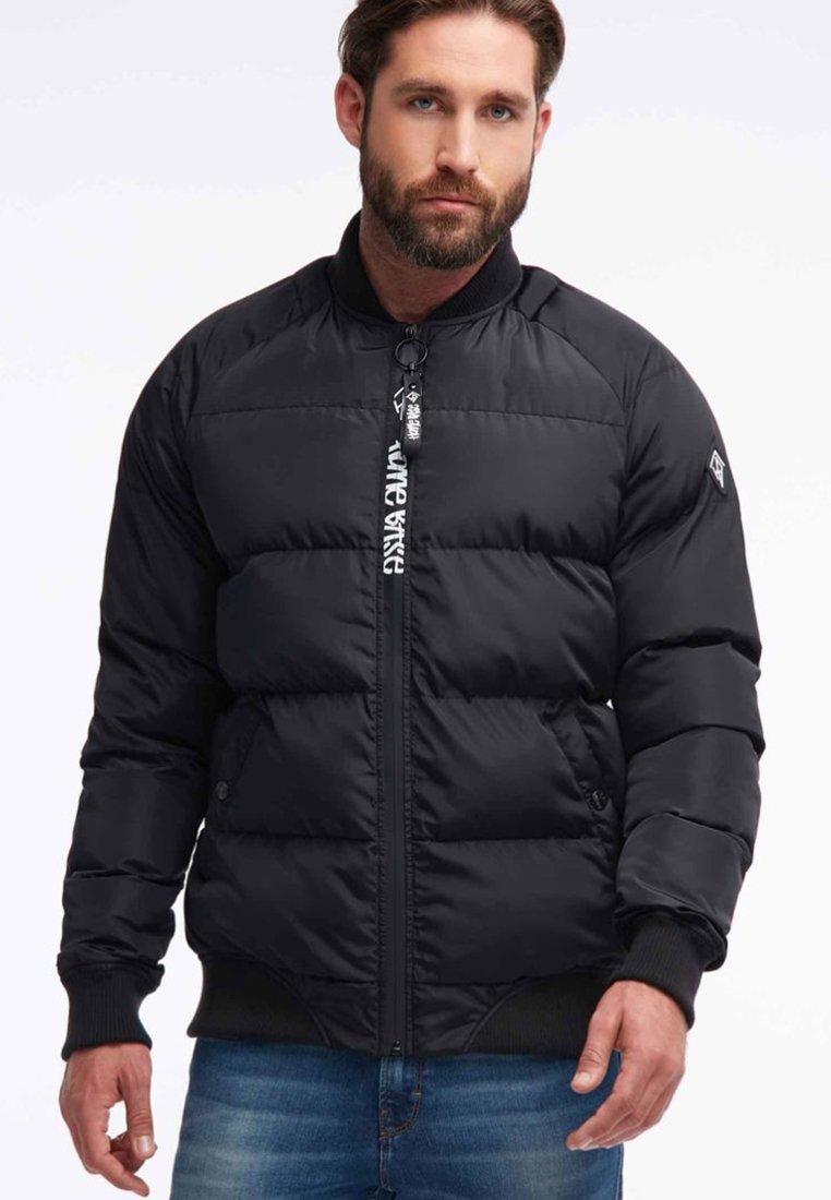 HOMEBASE - Zimní bunda - black