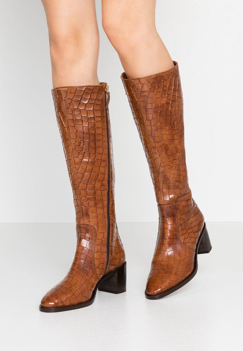 Hash#TAG Sustainable - Vysoká obuv - brown