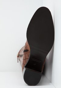 Hash#TAG Sustainable - Vysoká obuv - brown - 6