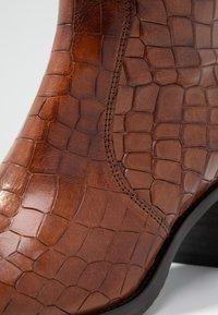 Hash#TAG Sustainable - Vysoká obuv - brown - 2