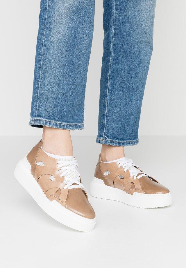 Sneakers - beige/bianco