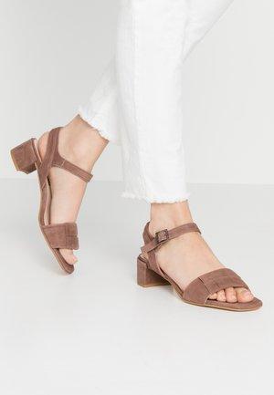 Sandali - brown